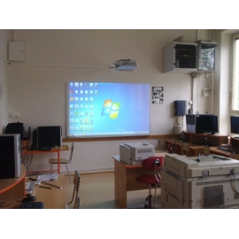 Tabule Degen 200x120cm +  interaktivní dataprojektor Panasonic